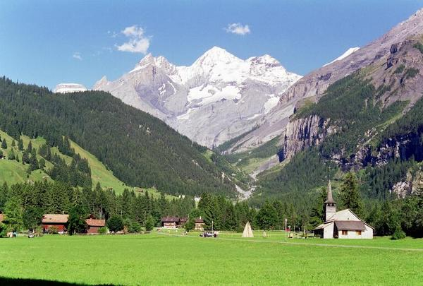 Kandersteg with the Blümlisalp range in the background