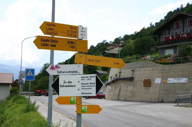 Signpost in Mund - note if you are headed for Lalden Station you must follow the railway sign, not the sign for Lalden itself