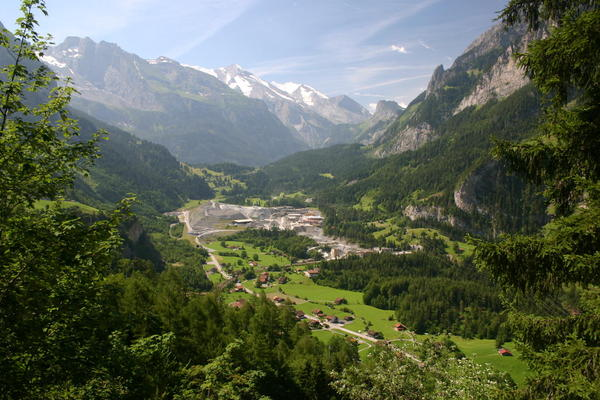 The view up towards Kandersteg from the Nord Rampe Höhenweg